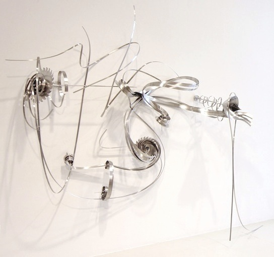 <h3>ALICE AYCOCK</h3> 						<h4><em>Twist of Fate</em></h4> 						2011</br>Aluminum</br> 						90 x 106 x 22 inches</br>